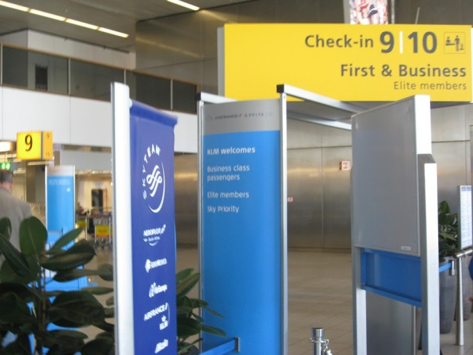 priority check in KLM