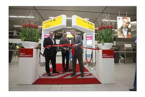 Opening Skypriority check-in op Schiphol