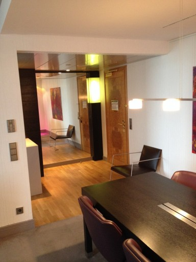 IC Berlin - Suite Income