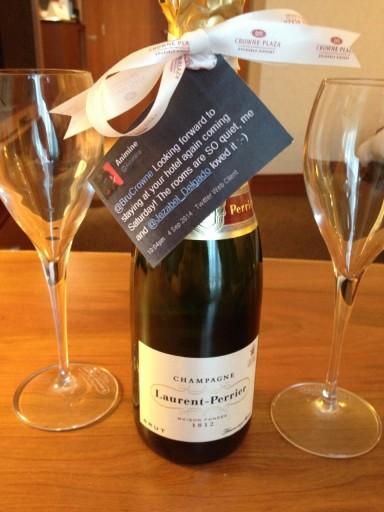 CP BRU Airport - Champagne Present