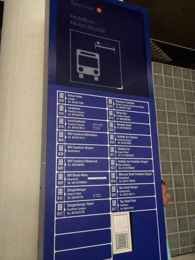 Contact met hotel - Frankfurt Airport