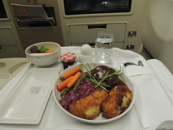 Singapore Airlines business class diner
