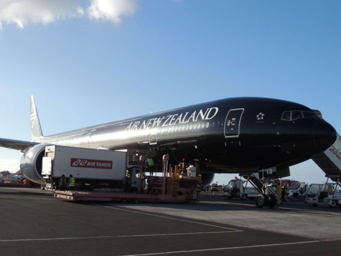 Air New Zealand black Boeing 777
