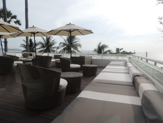 Pullman Pattaya Hotel G Sunset Lounge