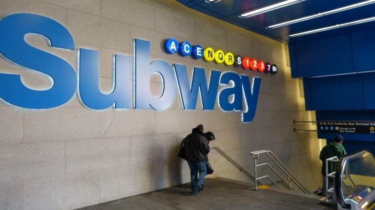 De metro is zeker de goedkoopste manier van transport in NYC, al is het systeem niet voor iedereen even duidelijk.