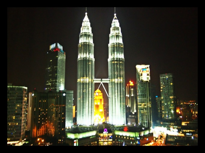 Petronas Towers vanuit mijn kamer in de avond
