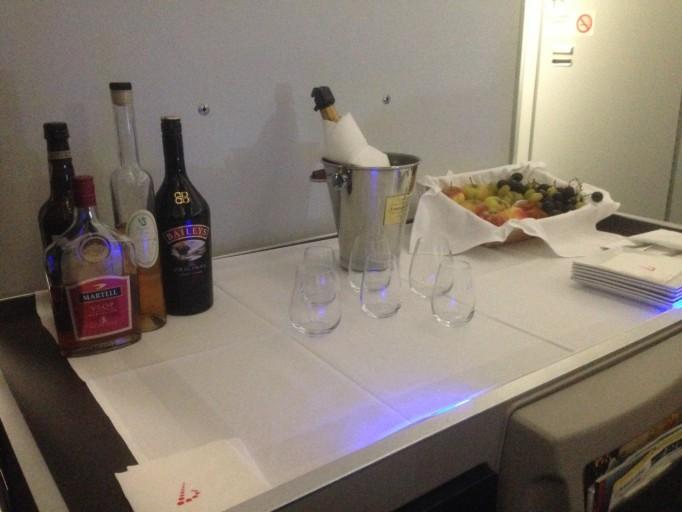 hoeveel flessen champagne zouden er zo meekunnen op een vlucht...