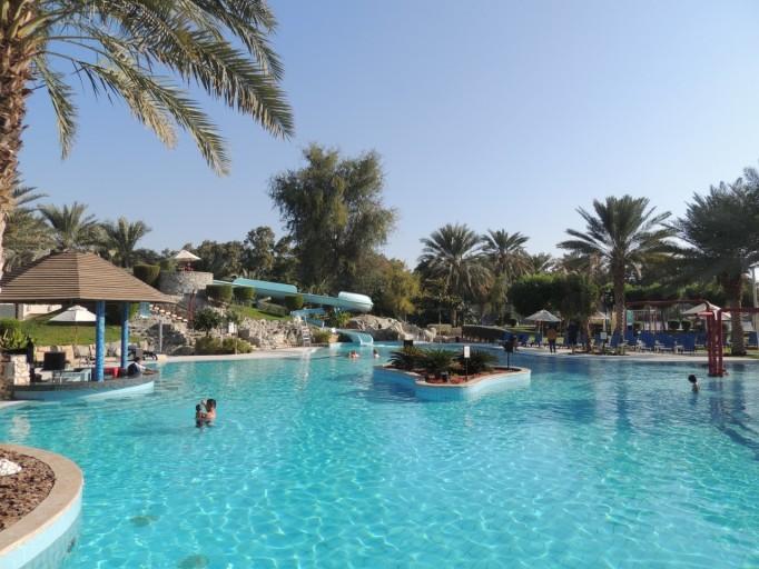 Hilton Al Ain zwembad