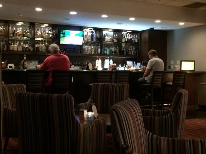 HI Buena Park - Marbles Lounge Bar