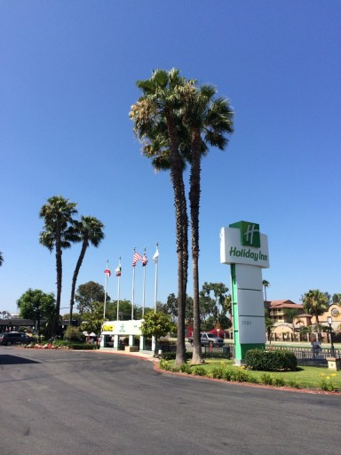 HI Buena Park - Sign