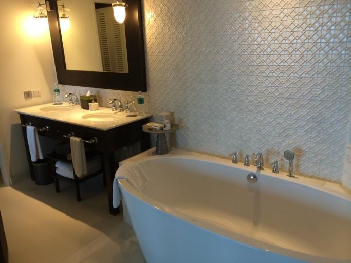 Design bad en diverse toiletartikelen beschikbaar...