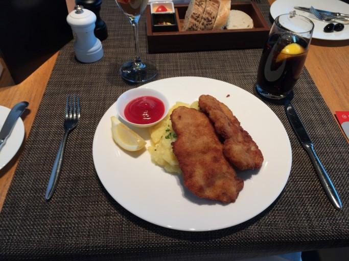 """""""Viennese"""" kip schnitzel"""