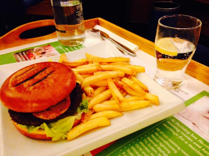 Holiday Inn London Heathrow hamburger