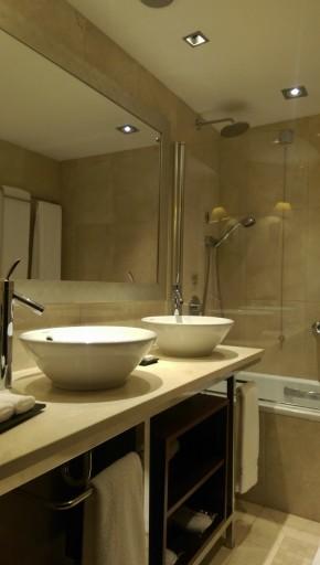 IC Lisbon - badkamer