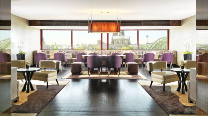 Hyatt Regency Keulen Club lounge