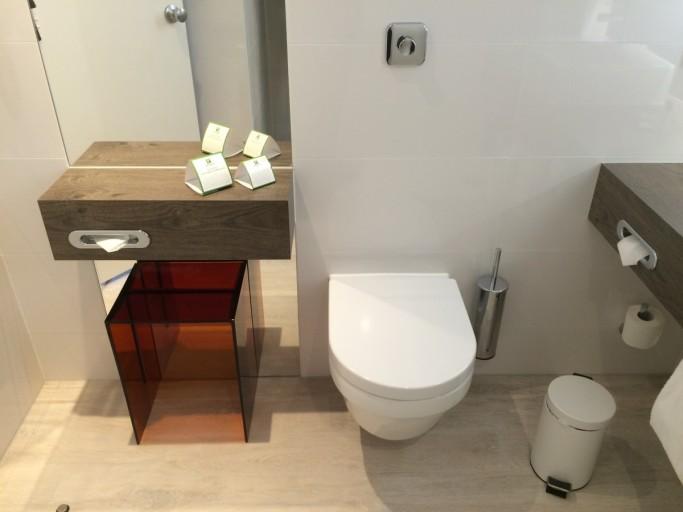 Holiday Inn Amsterdam - Bathroom Toilet
