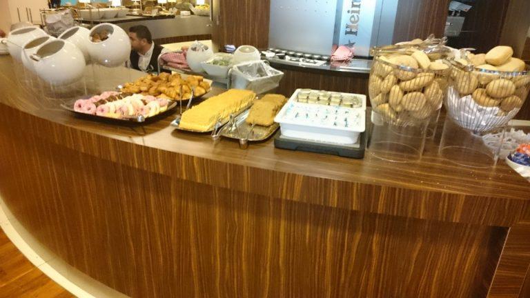 KLM Crown Lounge ontbijt