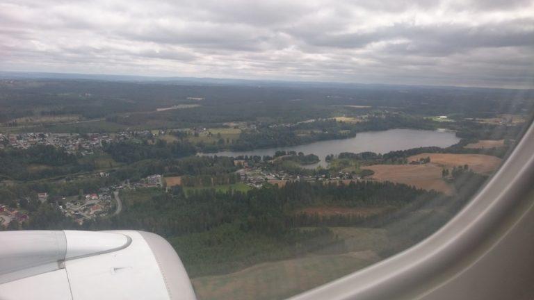 KLM Embraer 190. Aanzienlijk meer bewolking in Oslo!