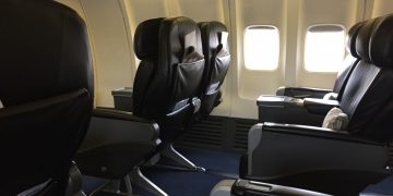 Malaysia Airlines B737 business class
