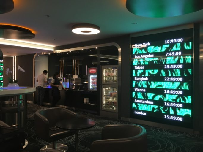 eva air lounge bangkok