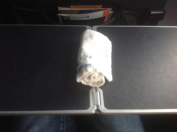 Warm handdoekje, United Airlines Business Class