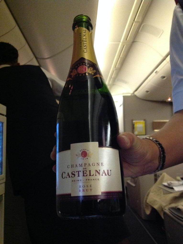 British Airways, Oneworld, British Airways ervaringen, Club World, Dubai, Review British Airways, British Airways catering, Business Class, Londen-Heatrow, Upgrade, Castelnau Rosé Champagne
