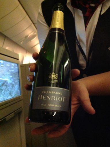 British Airways, Oneworld, British Airways ervaringen, Club World, Dubai, Review British Airways, British Airways catering, Business Class, Londen-Heatrow, Upgrade, Champagne, Henriot Brut