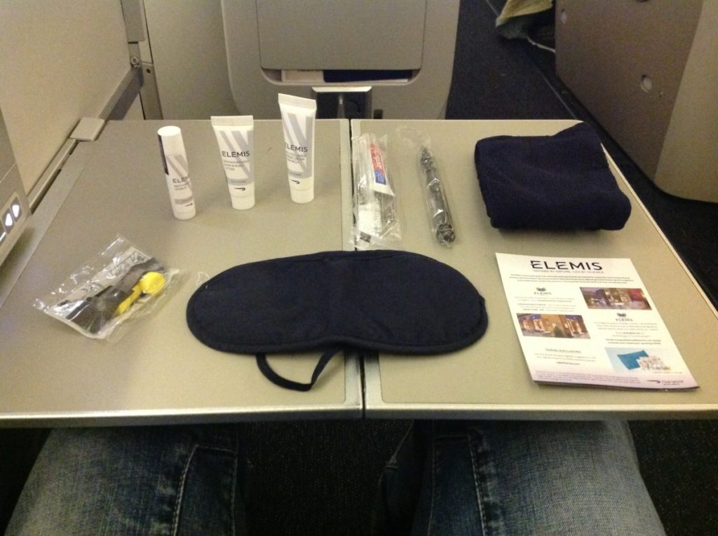 British Airways, Oneworld, British Airways ervaringen, Club World, Dubai, Review British Airways, British Airways catering, Business Class, Londen-Heatrow, Upgrade, amenity kit