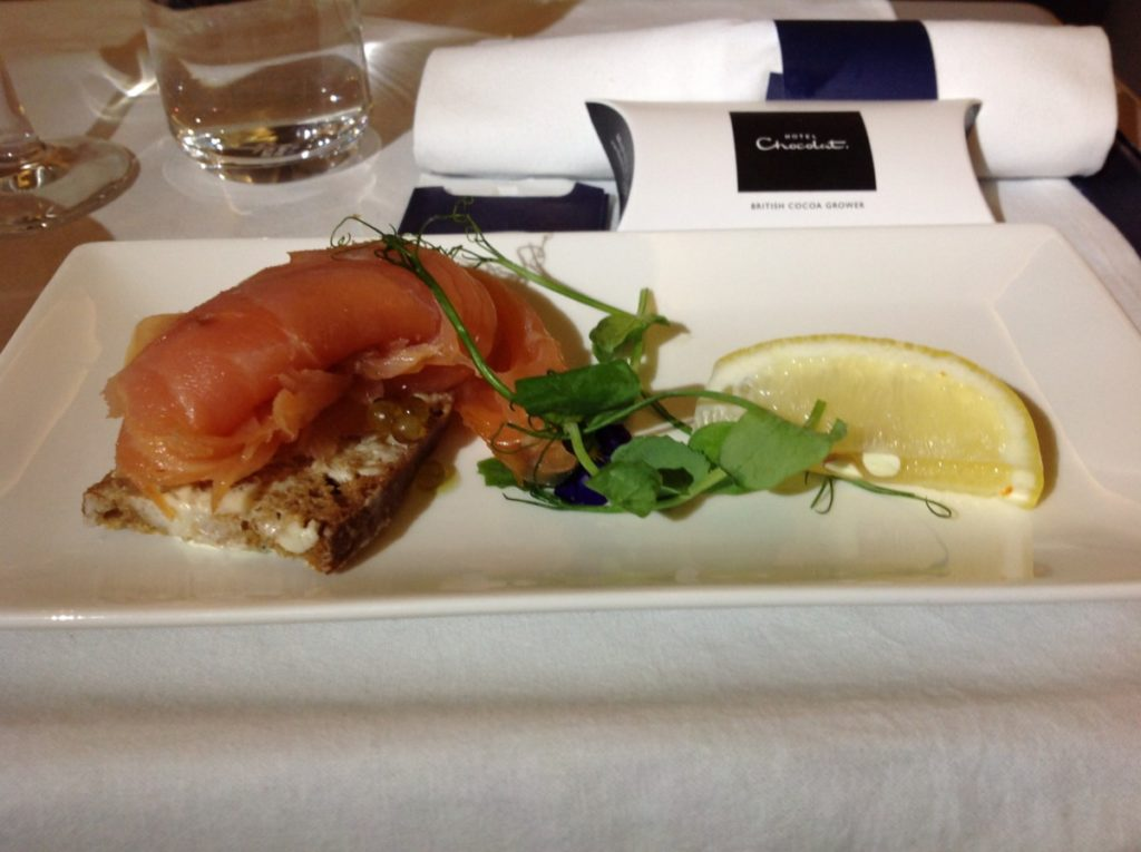 British Airways, Oneworld, British Airways ervaringen, Club World, Dubai, Review British Airways, British Airways catering, Business Class, Londen-Heatrow, Upgrade, Gerookte zalm