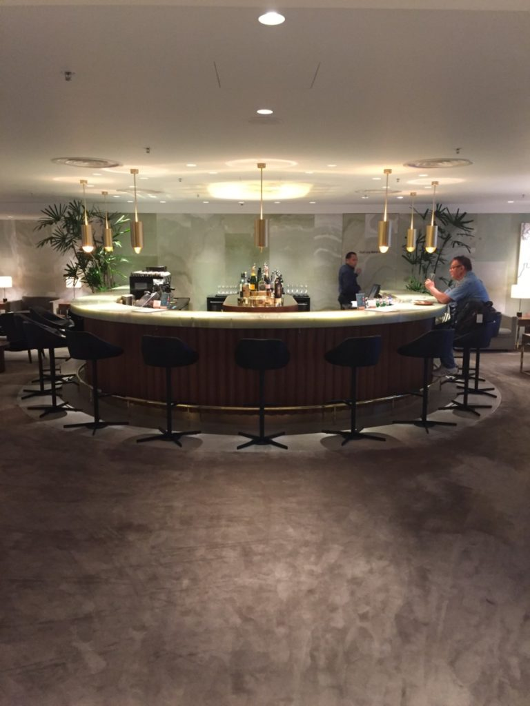 Cathay Pacific The Pier First Class Lounge bar