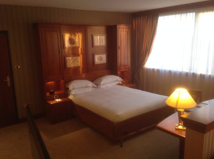 Hilton, Straatsburg, Kingsize bed, Suite