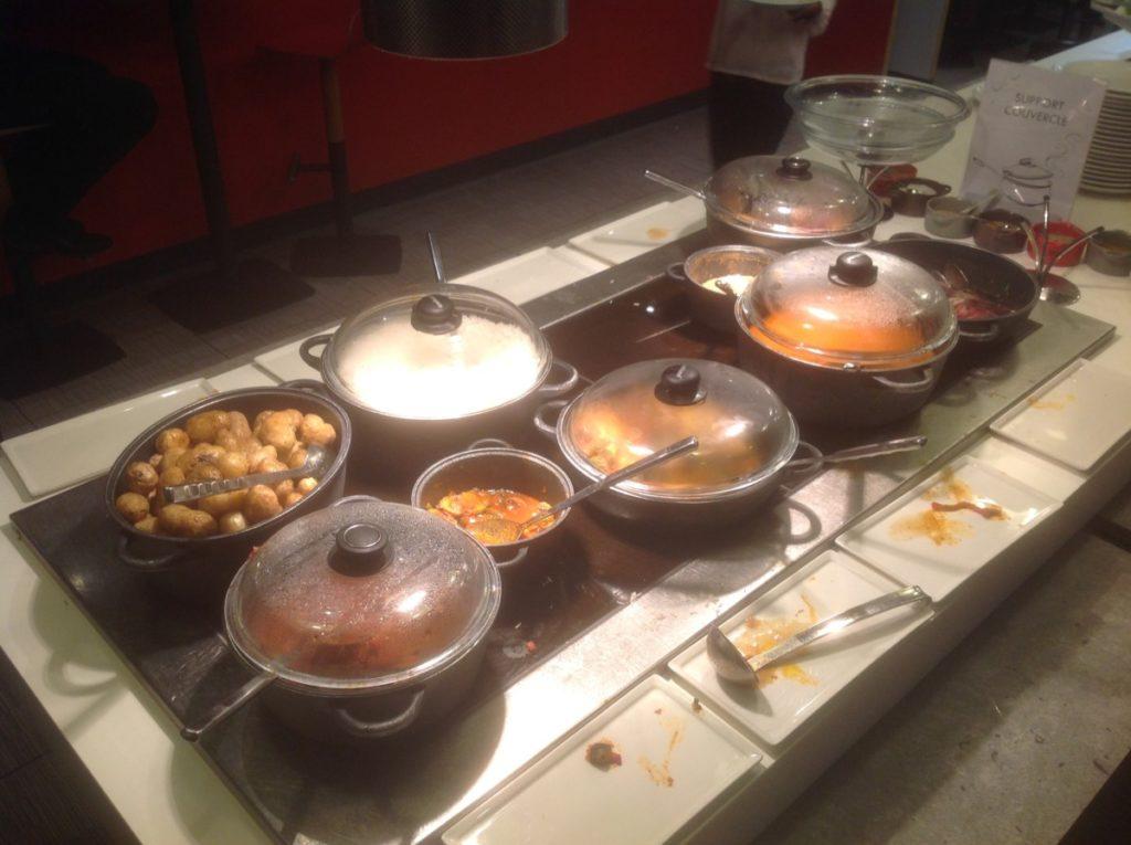 Het warm buffet, restaurant