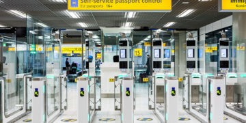 schiphol self service paspoort