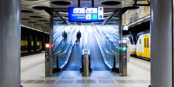 Schiphol treinstation NS