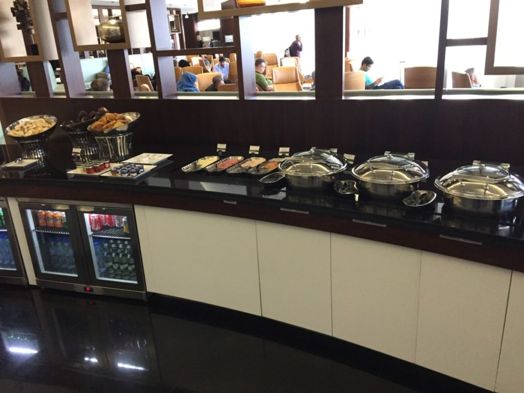 review etihad business class lounge abu dhabi