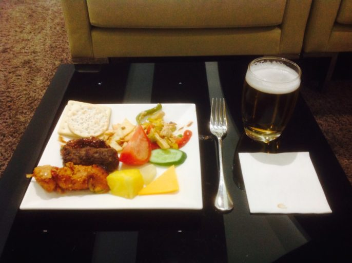 snacks, Etihad, business class lounge, Abu Dhabi