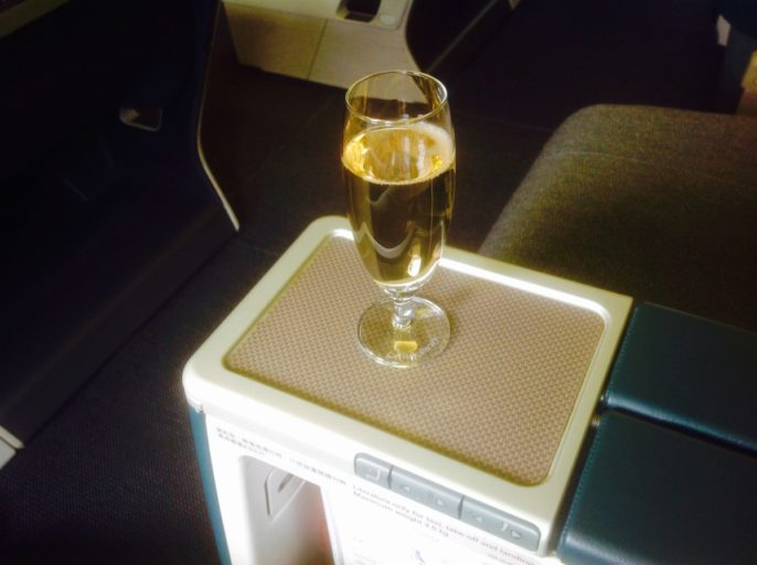 champagne, cathay pacific, seoul, taipei, business class, Boeing 777