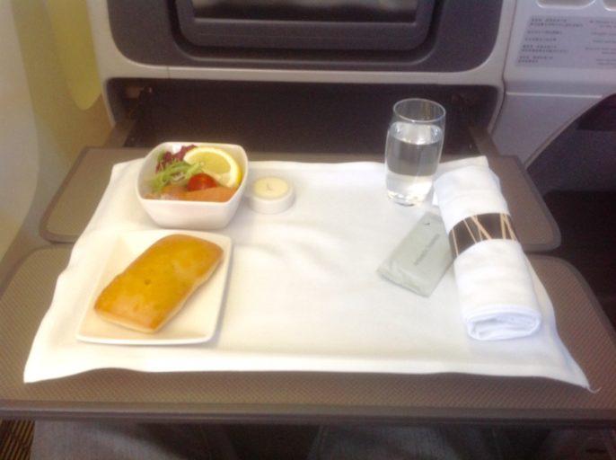 cathay pacific, diner, boeing 777