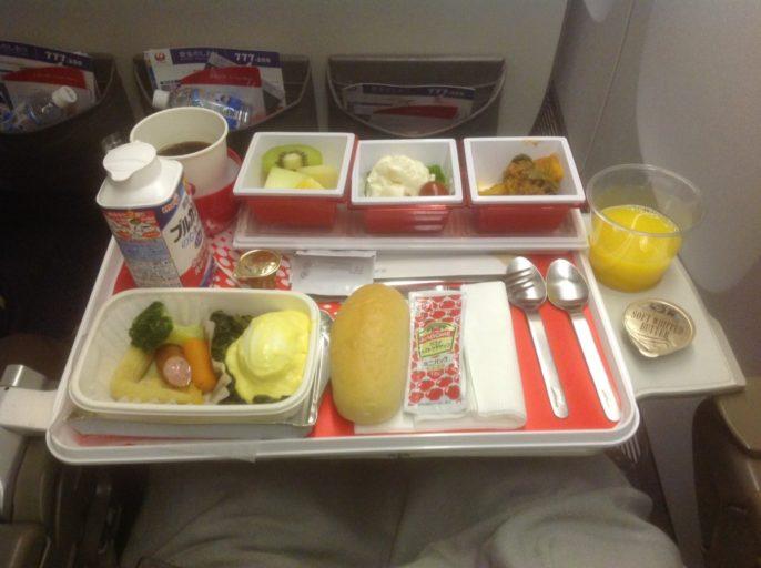 ontbijt, Japan airlines, Boeing 777, Bangkok, Tokyo