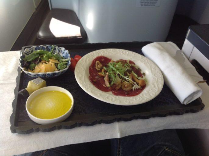 carpaccio, rundvlees, voorgerecht, klm, business class