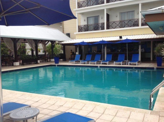 zwembad, marriott, paramaribo