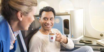 Koffieliefhebbers opgelet, KLM gaat samenwerken met Douwe Egberts