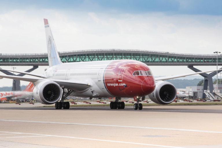 Boeing 787 Dreamliner van Norwegian op Londen Gatwick