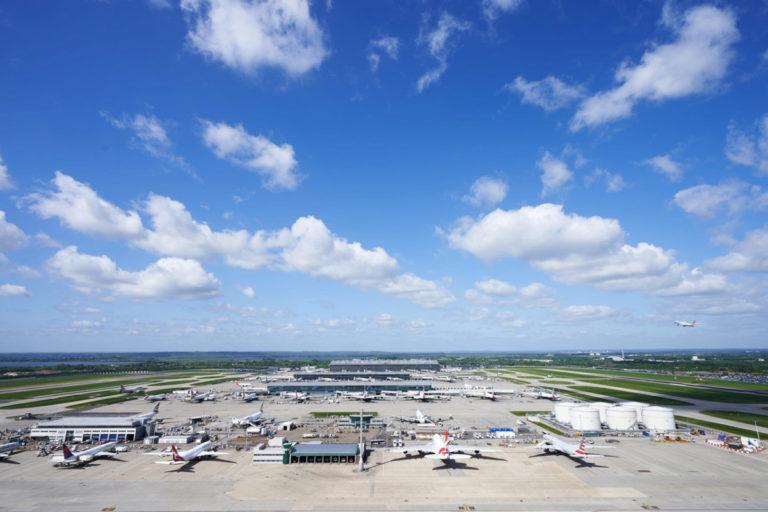 Londen Heathrow gezien vanaf de verkeerstoren