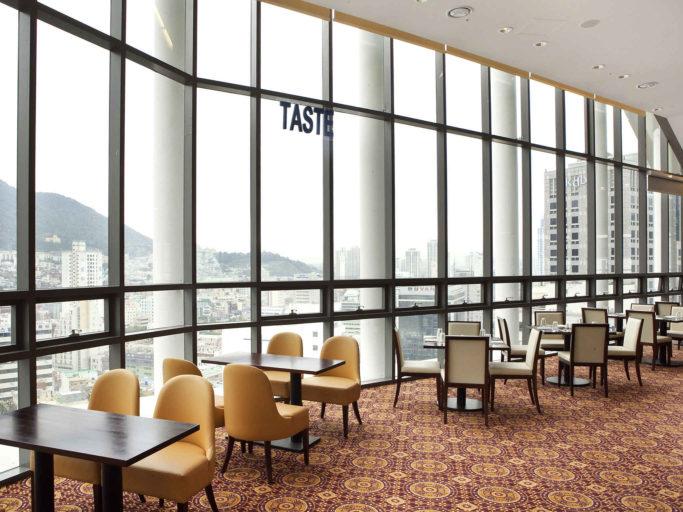 Panoramisch uitzicht in het TASTE Restaurant