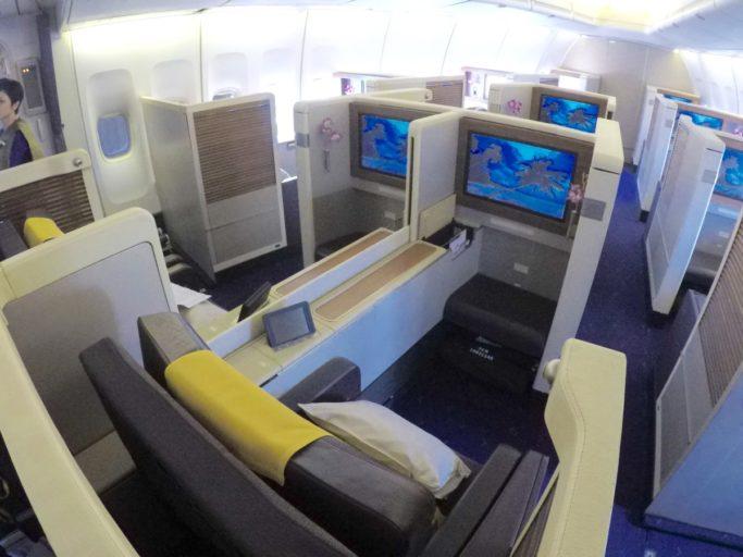 thai airways, first class, boeing 747