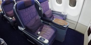 business class, royal silk, a330, thai airways