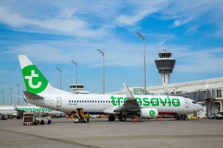 Boeing 777 van Transavia aan de gate