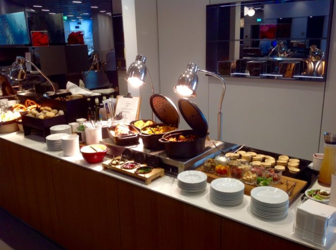 Lufthansa, lounge, frankfurt, warm buffet