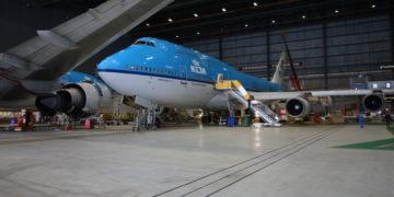 De Boeing 747-400 City of Bangkok in de hangar van KLM (Bron: KLM)